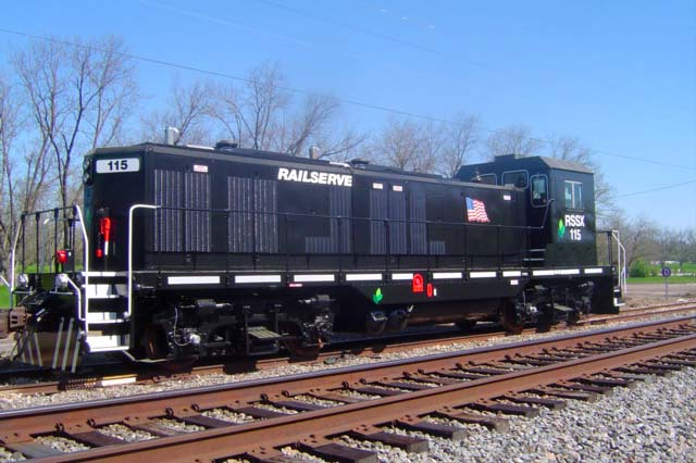 Photo of LEAF locomotive painted black